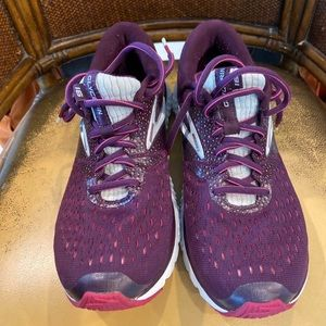 Brooks Glycerin 16 Shoes Woman Size 8 Purple